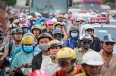 Hà Nội trước dịp lễ 2/9: Đường phố tắc nghẽn, bến xe thưa người