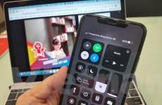 Nhà mạng gửi thông điệp 'Hãy ở nhà' tới điện thoại của người dùng