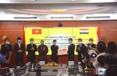 Việt Nam trao tặng Ấn Độ 100.000 khẩu trang phòng chống COVID-19