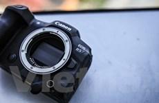 Cận cảnh EOS R5 - Mẫu máy ảnh mạnh nhất của Canon mới về Việt Nam