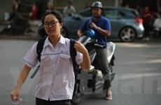 Hình ảnh các thí sinh Hà Nội bắt đầu bước vào kỳ thi lớp 10