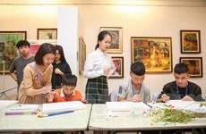 Lớp dạy học vẽ đặc biệt của các 'hoạ sỹ nhí' ở Hà Nội