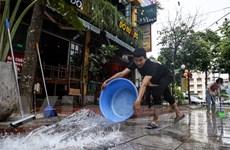 Nhà hàng, quán cà phê Hà Nội tất bật dọn dẹp bắt đầu đón khách trở lại