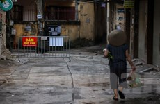 Người dân đi chợ từ 5 giờ sau Chỉ thị giãn cách xã hội của Hà Nội
