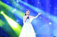 Nhật Thủy trở thành Thần tượng âm nhạc Việt Nam 2014