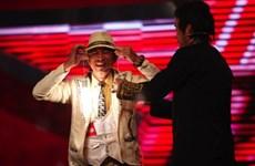 Đêm bán kết 3: Độc đáo người phát sáng và chàng trai múa cột