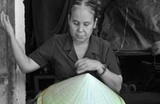 """Phát hiện thêm nhiều nghệ nhân gìn giữ những """"hạt ngọc"""" truyền thống"""