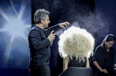 """[Photo] """"Phù thủy tóc"""" Angelo Seminara biến hóa với kỹ thuật 3D kỳ ảo"""