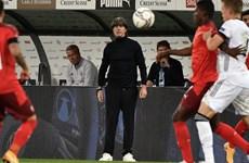Joachim Löw: Các cầu thủ không phát huy hết khả năng của mình