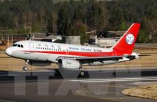 Một máy bay Trung Quốc phải hạ cánh khẩn cấp vì vỡ cửa sổ