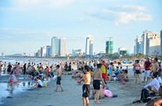 [Video] Tìm nguyên nhân gây mẩn ngứa khi tắm biển tại Đà Nẵng