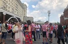 [Video] Quảng trường Đỏ tràn ngập sắc carô trước trận chung kết