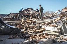 [Video] Sập nhà ở đảo Lombok, Indonesia do dư chấn động đất