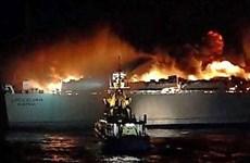 Một chiếc phà chở 335 người đang bốc cháy trên biển Baltic