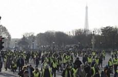 """Pháp: Người biểu tình """"Áo vàng"""" lại tụ tập biểu tình lớn ở Paris"""