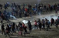 Tổng thống Mỹ Donald Trump biện hộ cho việc trấn áp người di cư