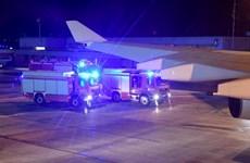Chuyên cơ chở Thủ tướng Đức Angela Merkel phải hạ cánh khẩn cấp