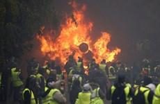 Làn sóng biểu tình tại Pháp tiếp tục diễn biến phức tạp
