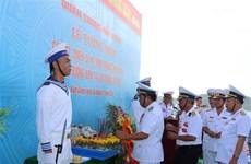 Hình ảnh Lễ tưởng niệm các liệt sỹ Chiến dịch đổ bộ đường biển Tà Lơn