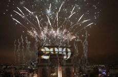 [Video] Lễ đón Năm mới hoành tráng tại Khải Hoàn Môn ở Paris