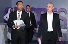 """Jose Mourinho """"cạnh khóe"""" Paul Pogba coi bản thân lớn hơn MU"""