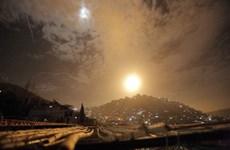 [Video] Cận cảnh hệ thống phòng không Syria bắn hạ tên lửa Israel