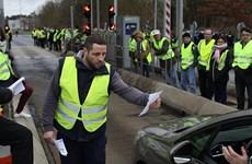 """Pháp: Biểu tình """"Áo vàng"""" biến thành bạo lực tại Paris"""