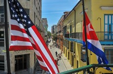 Anh chỉ trích các lệnh cấm vận mới của Mỹ đối với Cuba
