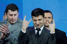 [Video] Diễn viên hài nổi tiếng trở thành tân Tổng thống Ukraine