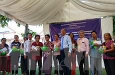 Tấm lòng Việt Nam đối với kiều bào và người dân nghèo tại Campuchia