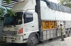 Thu giữ nhiều hàng hóa không rõ nguồn gốc tại Bến Tre và Quảng Bình