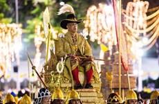 [Video] Cận cảnh Lễ rước kiệu tân vương Thái Lan Maha Vajiralongkorn