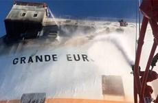 Tàu chở hơn 1.800 ôtô của Italy bốc cháy trên Địa Trung Hải