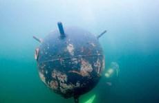 [Video] Anh kích nổ một quả bom dưới nước từ thời Chiến tranh Thế giới