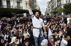 Đụng độ giữa cảnh sát và người biểu tình tại Algeria