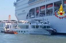 Italy: Tàu du lịch đâm vào bến tàu ở Venice, ít nhất 4 người bị thương