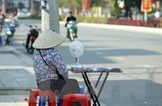 Nắng nóng vẫn gia tăng, cảnh báo tia UV ở Hà Nội và TP.HCM
