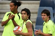 Guardiola đã 'tống cổ' Ronaldinho và Deco để bảo vệ Messi
