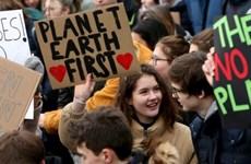 """Thủ tướng Đức ủng hộ phong trào """"Thứ Sáu vì tương lai"""" của cô bé Greta"""