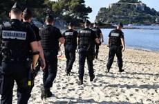 """[Video] Cảnh sát Pháp được trang bị """"tận răng"""" để bảo vệ hội nghị G7"""