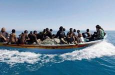 Hải quân Hoàng gia Maroc cứu hơn 200 người di cư bất hợp pháp