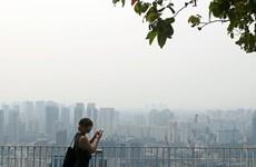 [Video] Singapore ngập khói do cháy rừng từ Indonesia