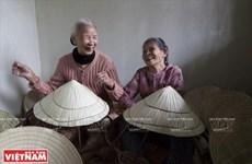 [Video] Nón bài thơ: Nét đẹp xứ Huế đi cùng năm tháng