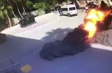 Khoảnh khắc đạn súng cối phát nổ trước văn phòng Thống đốc Thổ Nhĩ Kỳ