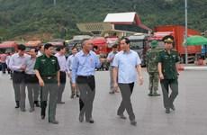 Kiểm tra và chỉ đạo giải quyết ùn ứ nông sản tại cửa khẩu Tân Thanh