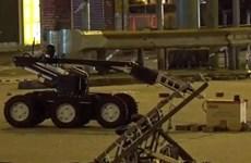 [Video] Lực lượng an ninh Hong Kong rà soát vật thể nghi chứa bom mìn