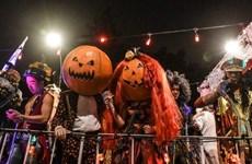 [Video] Muôn màu muôn vẻ cách hóa trang trong lễ hội Halloween