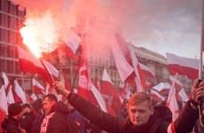 [Video] Ba Lan: Thủ đô Warsaw tràn ngập sắc đỏ vì người tuần hành