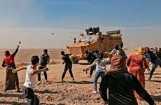 [Video] Người dân Syria phản đối cuộc tuần tra chung Nga-Thổ Nhĩ Kỳ