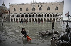 [Video] Italy ban bố tình trạng khẩn cấp vì Venice ngập úng